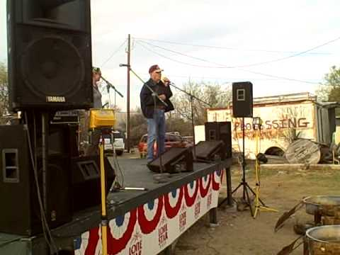 Rusty Williamson sings at the Ft McKavett Music Fe...