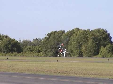 Ron Awad flying his Yamaha Genesis powered Dominator Gyrocopter at Bensen Days 2009