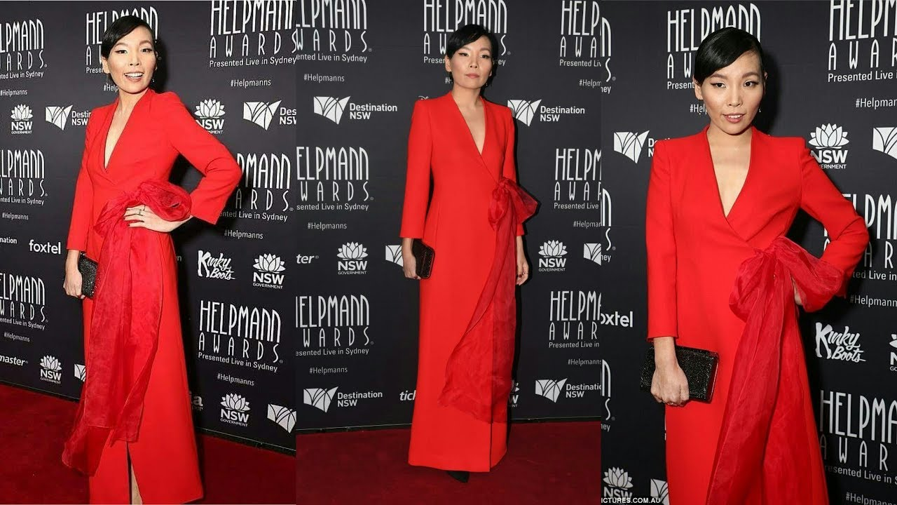 dami im is a showstopper in red! - 2017 helpmann awards red carpet