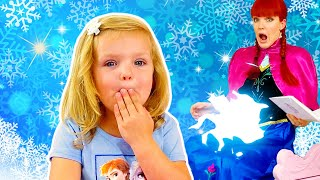 Frozen princesses Pretend play from Martin and Monica