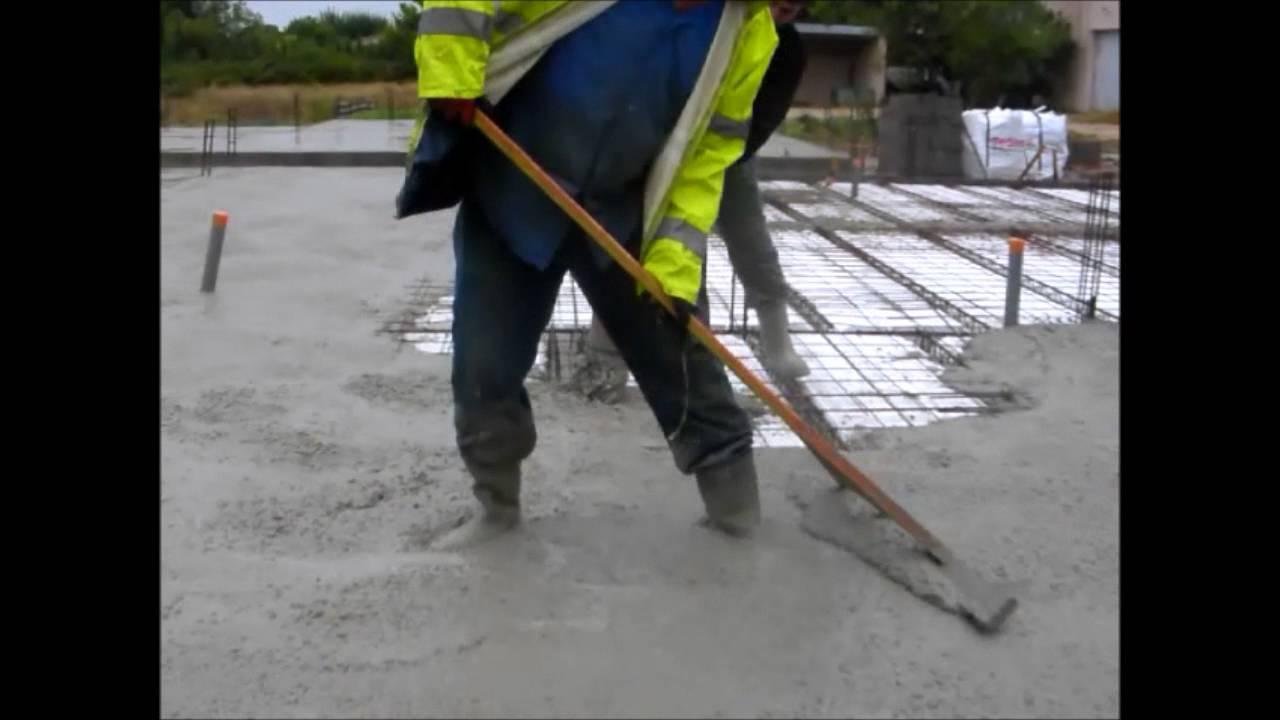Couler une dalle b ton sur vide sanitaire youtube - Couler une dalle beton ...