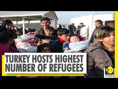 Turkey hosts 4 million refugees | Migrants cross country to enter Europe | World News