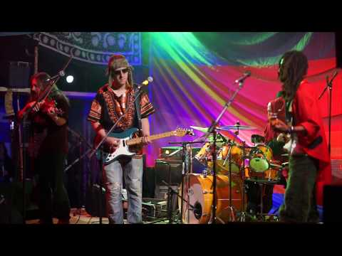 La Procesión Xuluprophet feat. Adam Poulin- live at Swamp Hippie Happy Spring Festival 2018