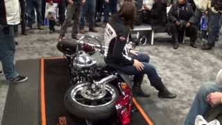How to lift a motorcycle