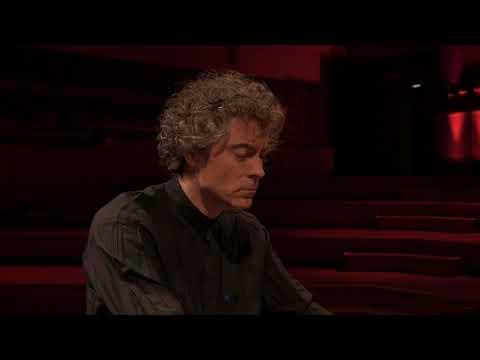 paul lewis live at flagey | Brahms, Sechs Klavierstücke, op. 118 (1893) intermezzo