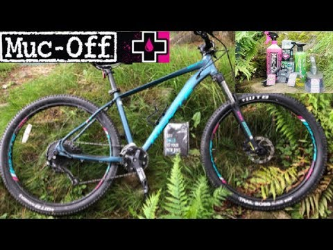 Cleaning MTB with MUC-OFF