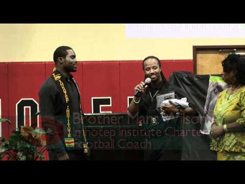 Mike Vick @ IMHOTEP Charter in Philadelphia 2010 - YouTube