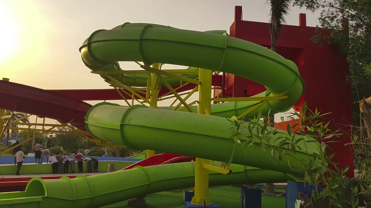 New Water Park In Jeddah Water Village القرية المائية Youtube
