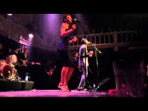 Leon Bridges - twistin' & groovin live at Paradiso Amsterdam  september 4 2015