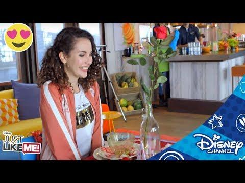 Just Like Me! | Verkering | Disney Channel