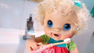 BABYALIVE -  Por que precisamos escovar os Dentes? com BIA LOBO