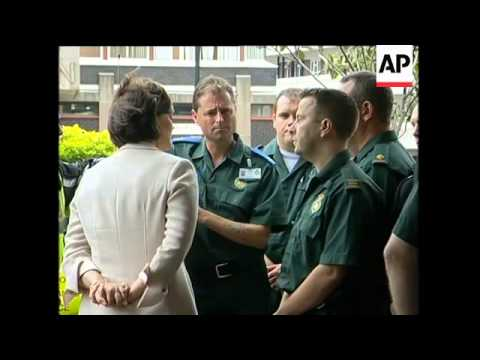 PM meets emergency workers