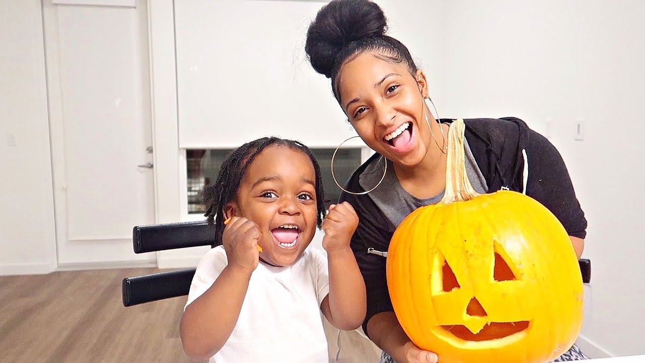 pumpkin-carving-with-my-two-year-old-nephew-kenvember-day-1