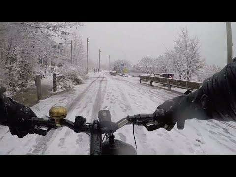 Cycling DUMBO & Brooklyn Bridge Park on a Snowy Day in December 2017 (Chest Cam)