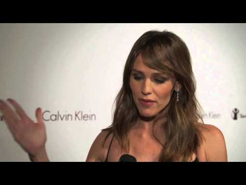 Jennifer Garner - Red Carpet at Calvin Klein, Inc./Save the Children Benefit Gala