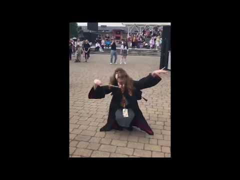 Hermione Granger cosplay voguing dancing to Mario Bros theme remix