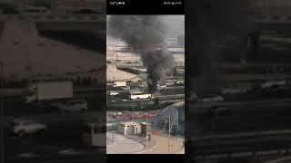 بالفيديو: حريق يلتهم حافلة على شارع الخيل