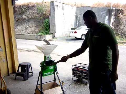 Picadora de pasto y trituradora de granos - Trituradora de ramas casera ...