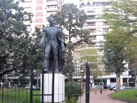 BARRANCAS DE BELGRANO - DOMINGO EN BUENOS AIRES