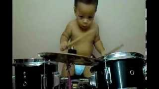 Baby Drumming at Home-Rolling,Drums my Fashion Thumbnail