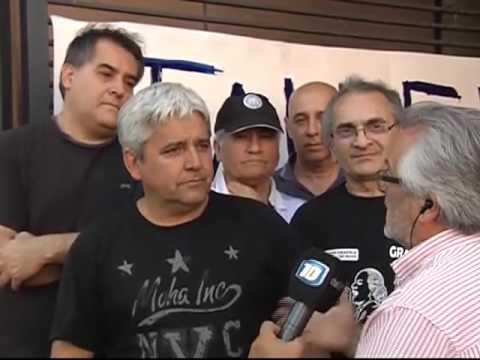(video) CÓRDOBA: POR DESPIDOS MASIVOS, TRABAJADORES TOMAN TALLER GRÁFICO
