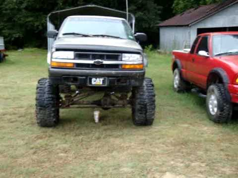 The Big Horton project vs zr2 with 3 inch lift - YouTube
