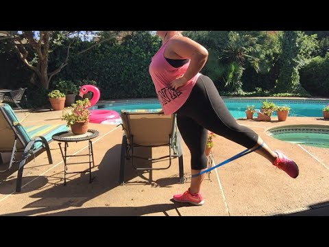 Vlog - Working Out by the Pool