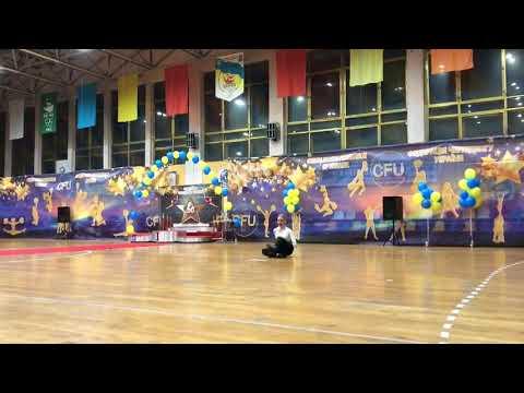 """Слюсар Софія Хіп-хоп соло Дорослі - 1 місце Dance Studio """"FORMA"""" (м.Коростень)"""