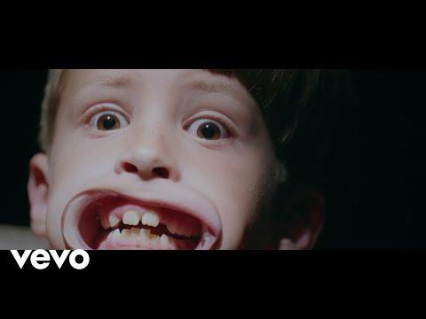 "Vic Mensa's New Band 93PUNX - ""Camp America"""