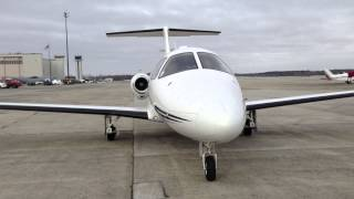 Linear Air Eclipse 500 air taxi jet starting up