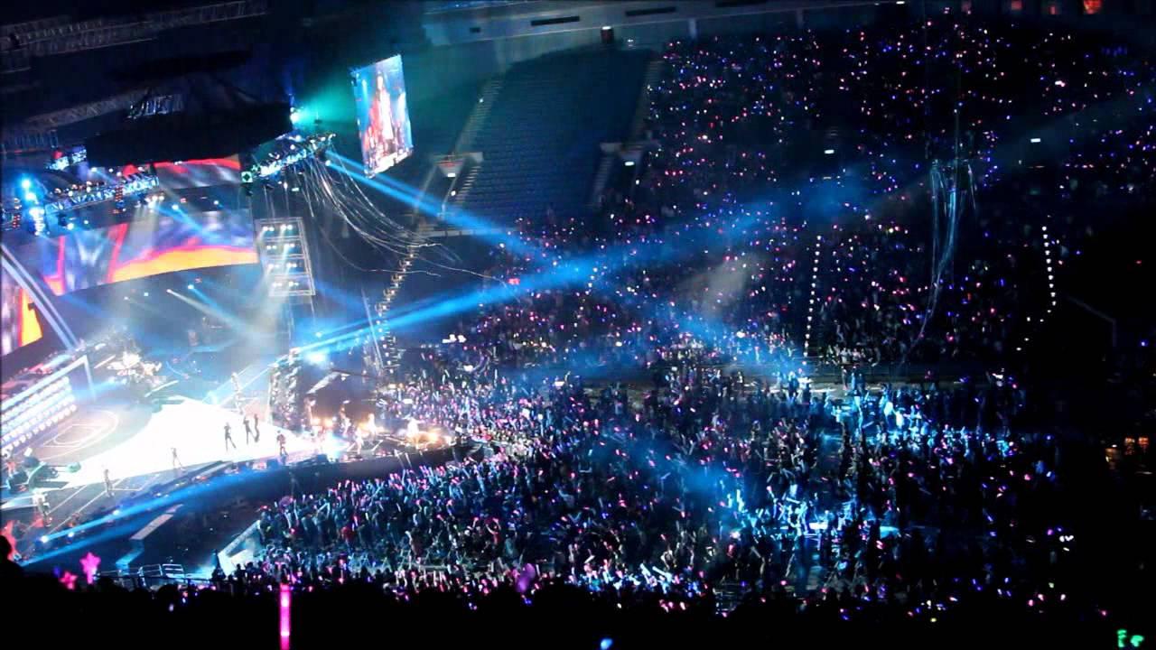 20111218周杰倫高雄巨蛋演唱會(雙截棍) - YouTube