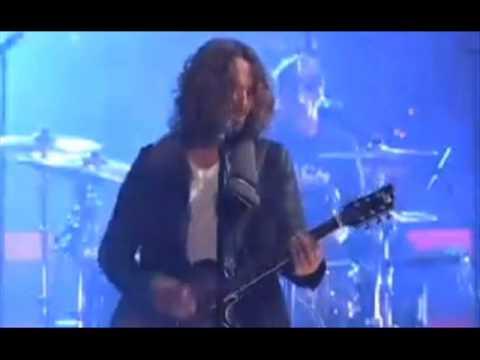 Soundgarden + NIN tour? -- Iron Maiden update -- TOOL's new album not done -- Fear Clinic -- Legend