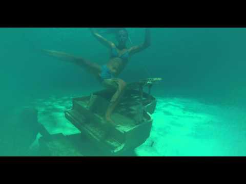 Underwater Piano, Bahamas