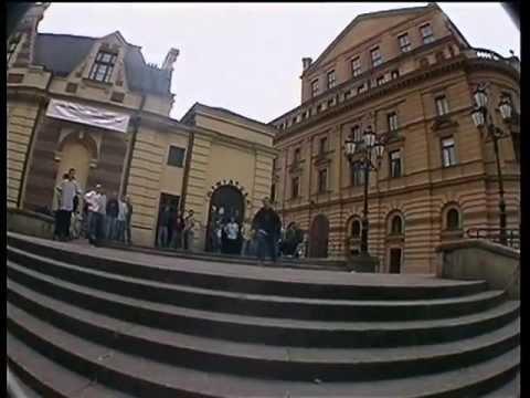 FYI 2 - extranacja, film Alberta i Kamila Snoopy z Wesolej