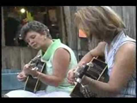 WOMEN PLAY GUITAR LUCKENBACH TEXAS