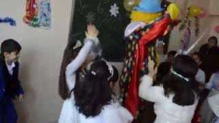 утренник  Новый Год 2015-2016!Клоун!Весело!Азербайджан город Гянджа школа №1(, 2016-07-11T13:18:23.000Z)