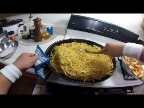 How to cook Pancit Canton with Bihon