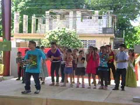 Dia de la Puertorriqueñidad 2012 Sabanetas Mani (1er grado Misis Maria)