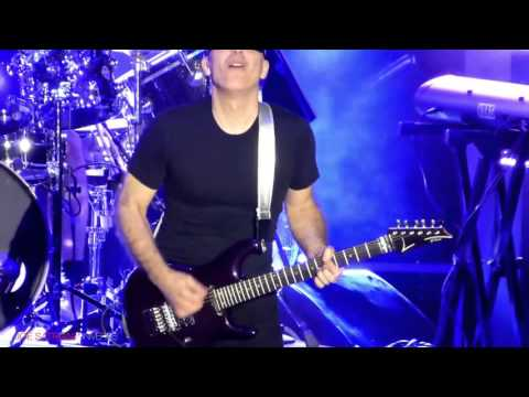 Joe Satriani - Flying In A Blue Dream (Live 2015 in Netherlands)