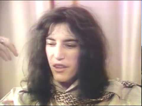 Patti Smith - 25th Floor (live) [flawed intro] + Interview + Because the Night (live) [1978]