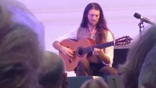 Estas Tonne Internal Flight