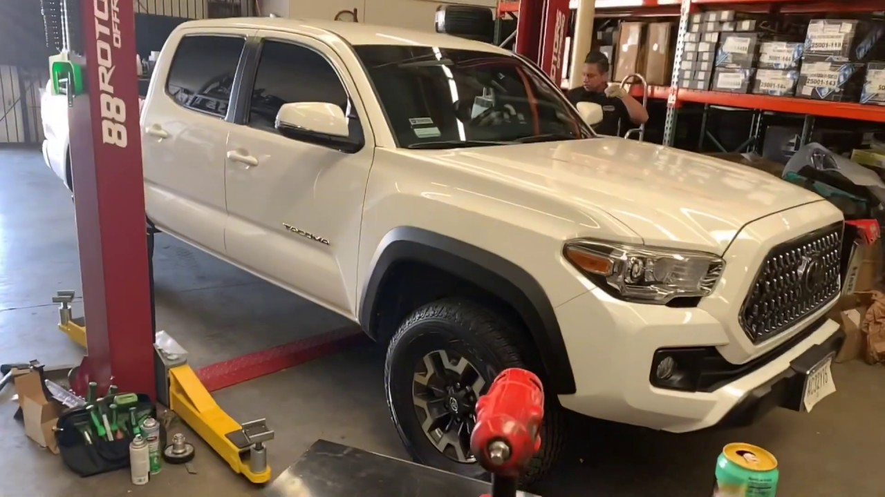 285 75 16 On Factory Tacoma Trd Offroad Wheels Bilstein Ome Springs Youtube