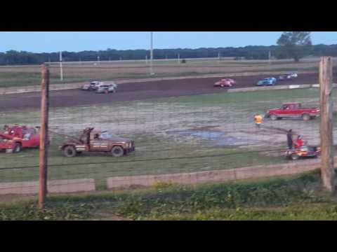 Shadyhill Speedway Modified heat race September 3 2016