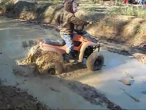 mud atvs playing