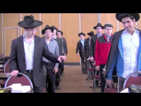 Mesivta Ateres Yaakov - Tefillan Box Prank - Purim 2013