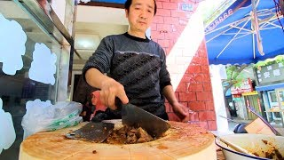 Xi'an Street Food - CHINESE HAMBURGER + STREET FOOD in China | BEST Chinese Street Food