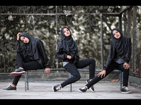 """Download """"Hipster Hijab"""" PhotoShoot with @Djulianphoto"""