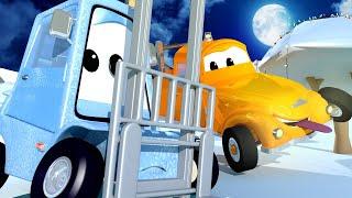 Автомойка Эвакуатора Тома - ПОДЪЁМНИК Френсис испачкался искусственным СНЕГОМ! - детский мультфильм