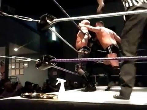 IWI 4/9/2016 Robb Thunder vs TNT Tommy Mason