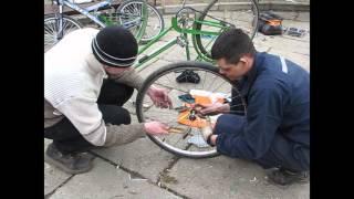 9.04.2016 Ремонт велосипедів в Літературному сквері